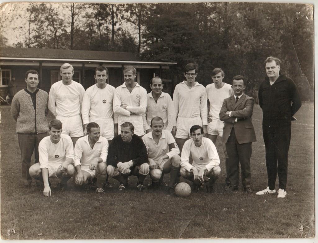 Teamfoto uit de oude doos